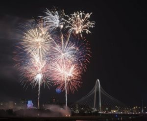 where to see fireworks dallas fort worth