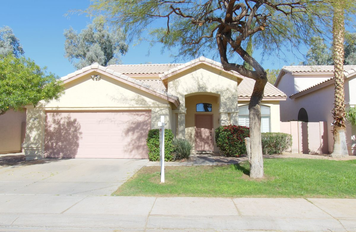 Welcome to 2132 W Myrtle Drive, Chandler!