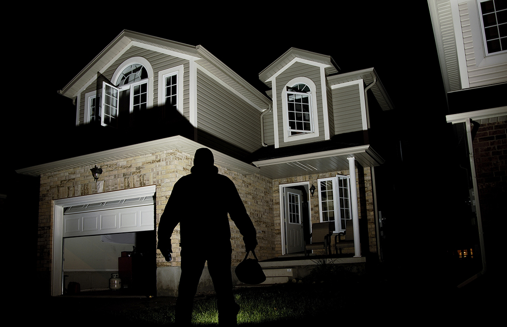 6 Near- Genius Ways to Fool Burglars Into Thinking You're Home
