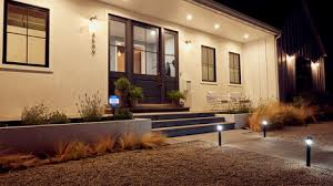 Want smarter outdoor lighting at home? Here are your options - CNET