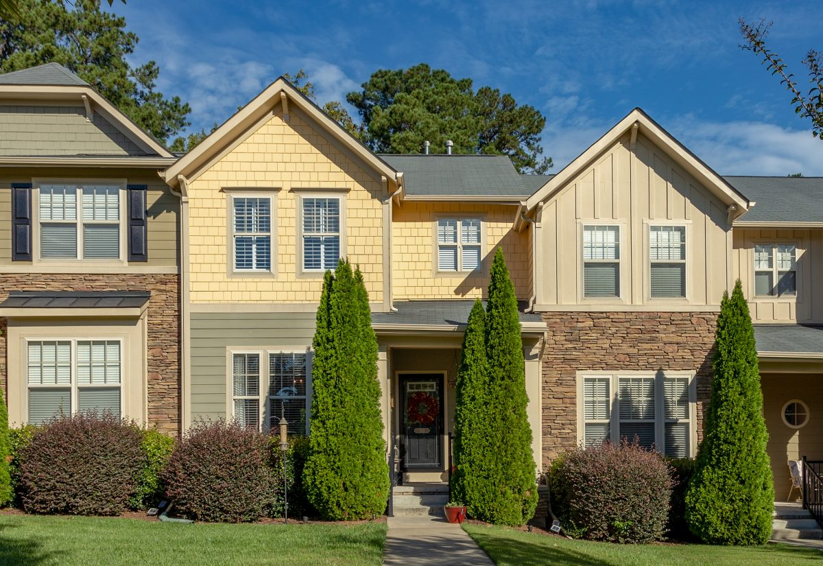 New Listing – Luxurious Townhouse in Apex